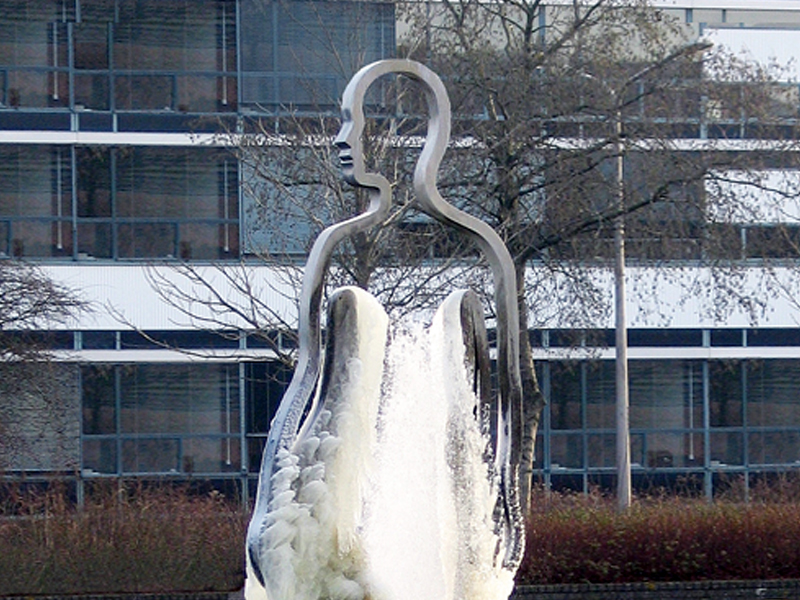 Public Art sculpture-University Groningen Netherlands-BlokLugthart